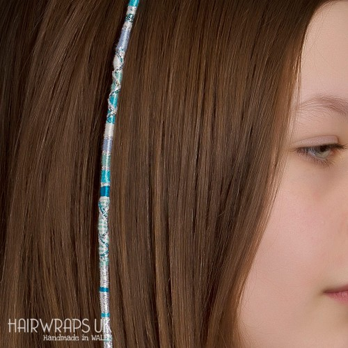 Removable Blue and White Hair Wrap with Glass Beads – Frozen.
